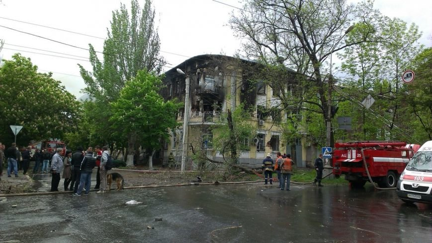 В Мариуполе здание ГУВД выгорело до тла, погиб милиционер (ФОТО), фото-6