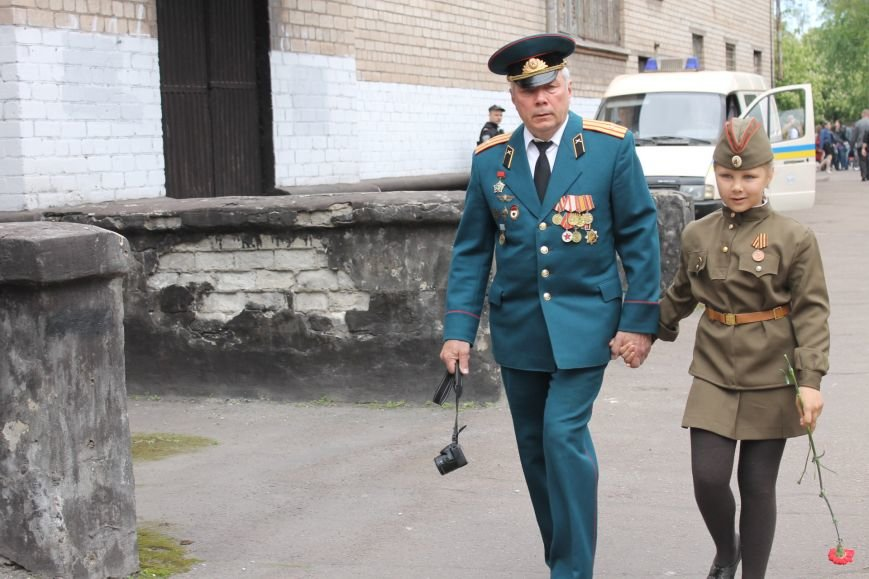 В Дзержинском районе ветеранам Кривого Рога  вручали цветы и дарили  песни (ФОТОРЕПОРТАЖ), фото-12