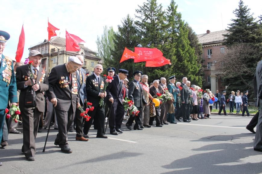 В Дзержинском районе ветеранам Кривого Рога  вручали цветы и дарили  песни (ФОТОРЕПОРТАЖ), фото-4