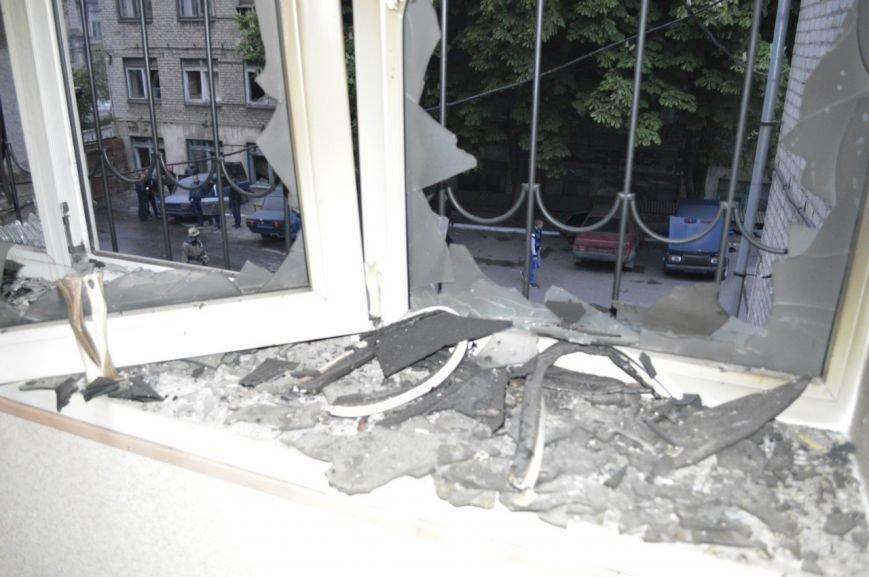 Опубликованы фотографии сгоревшего здания ГУВД и Мариупольского горсовета (ФОТО), фото-7