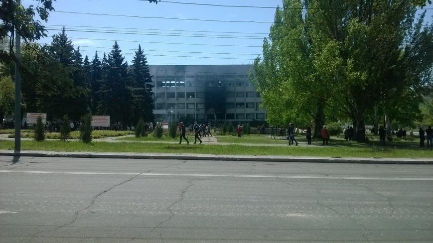 Опубликованы фотографии сгоревшего здания ГУВД и Мариупольского горсовета (ФОТО), фото-26