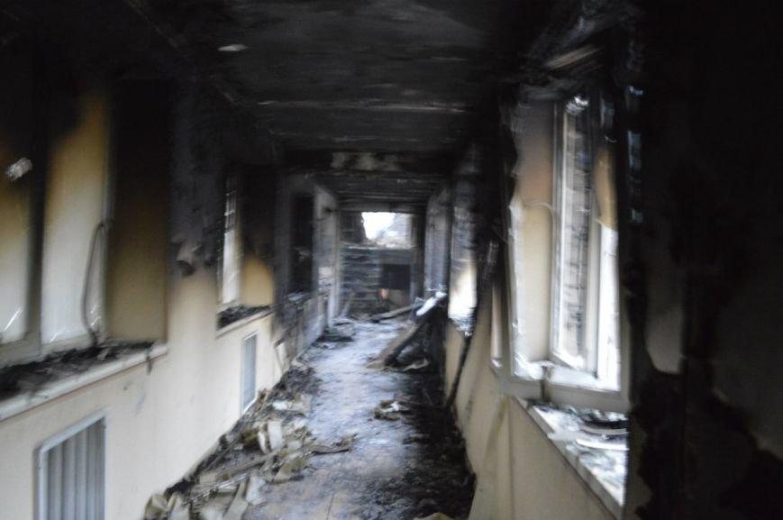 Опубликованы фотографии сгоревшего здания ГУВД и Мариупольского горсовета (ФОТО), фото-15