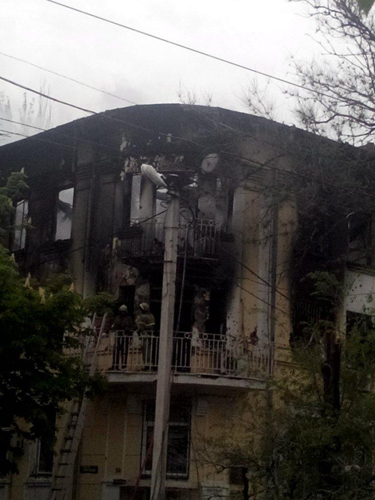 Опубликованы фотографии сгоревшего здания ГУВД и Мариупольского горсовета (ФОТО), фото-18