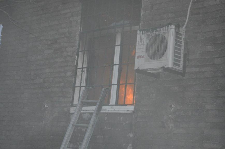 Опубликованы фотографии сгоревшего здания ГУВД и Мариупольского горсовета (ФОТО), фото-4