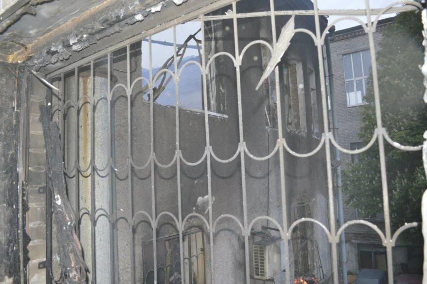 Опубликованы фотографии сгоревшего здания ГУВД и Мариупольского горсовета (ФОТО), фото-8