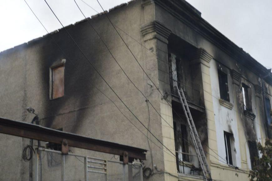 Опубликованы фотографии сгоревшего здания ГУВД и Мариупольского горсовета (ФОТО), фото-1