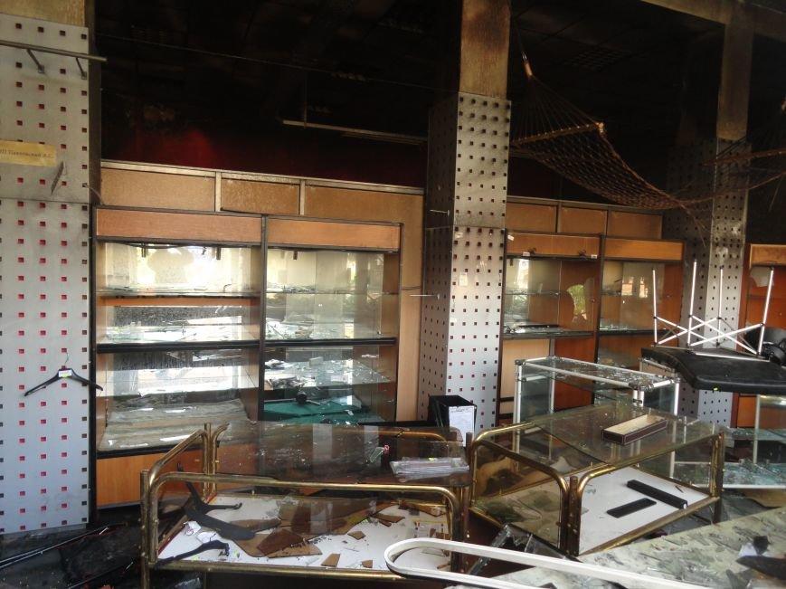 Мародерство продолжается. В Мариуполе пытались ограбить магазин бытовой техники (ФОТО), фото-4