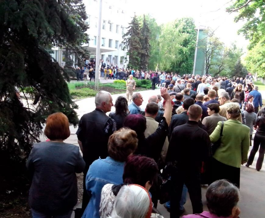 В Мариуполе стартовал референдум. Выстроились очереди (ФОТО+ОБНОВЛЯЕТСЯ), фото-5