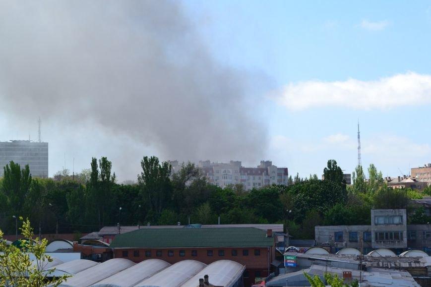 В Мариуполе вновь горит горсовет (ФОТО+ВИДЕО), фото-2