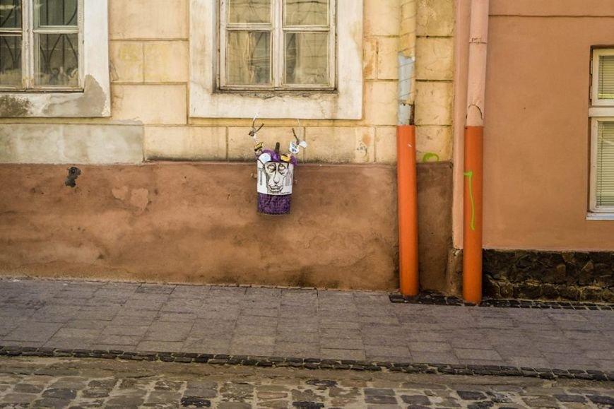 У центрі Львова встановили смітник із зображнням Путіна (ФОТО), фото-1