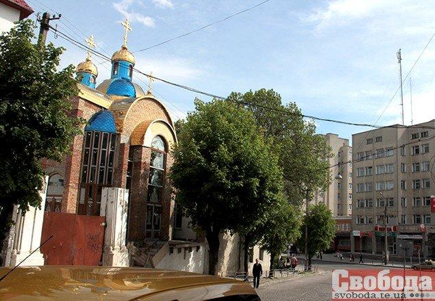 У центрі Тернополя вандали поглумилися над каплицею (ФОТО), фото-4