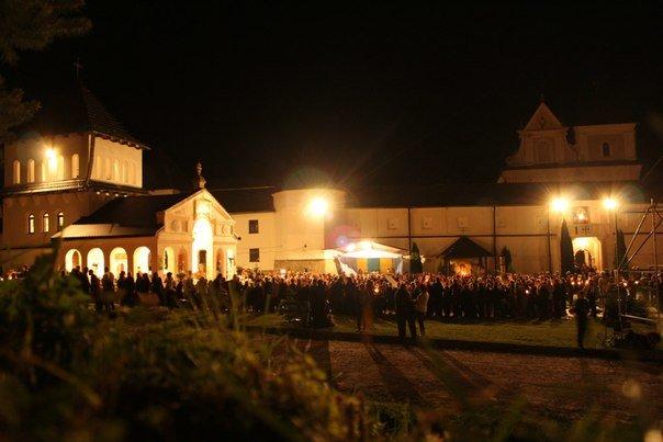 Тисяча львівських прочан не полінуються та йтимуть цілий день  до чудотворної ікони (ФОТО, ВІДЕО), фото-3