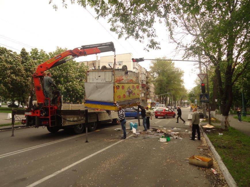 В Мариуполе центральную часть города очистили от баррикад (ФОТО), фото-7