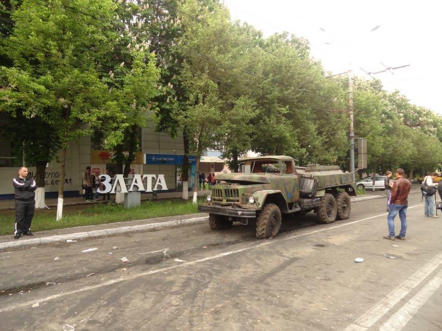 В Мариуполе центральную часть города очистили от баррикад (ФОТО), фото-3