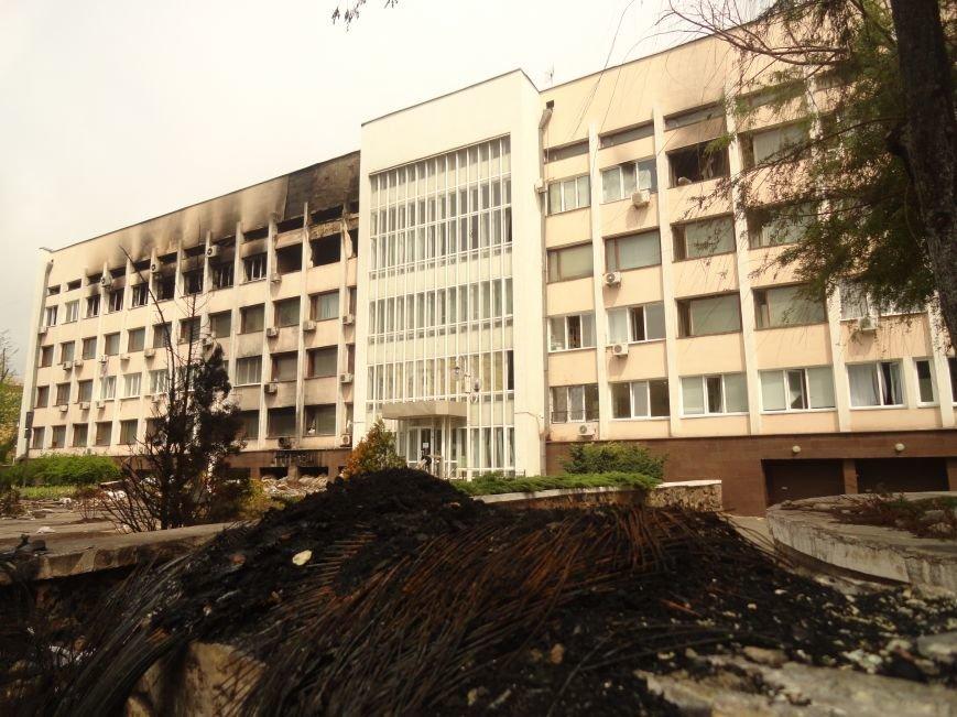 В Мариуполе центральную часть города очистили от баррикад (ФОТО), фото-6
