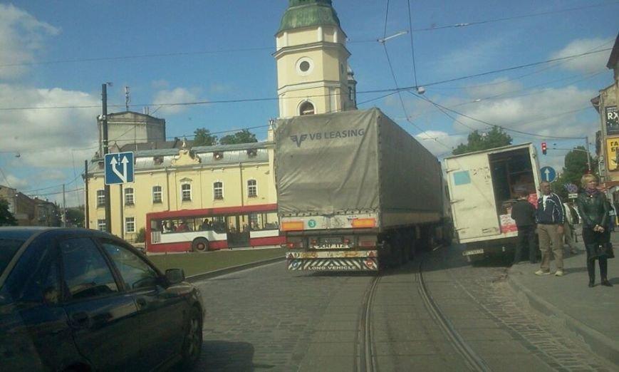 На одному із перехресть Львова пішоходи вимушені переходити дорогу наосліп (ФОТО), фото-4