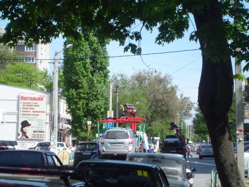 На штрафстоянку отправили инспекторы ГИБДД Таганрога несколько автомобилей с ул.Октябрьской (ФОТО), фото-2