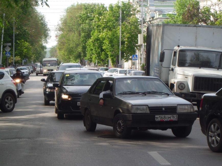 Виной пробки на Петровской в Таганроге стало разбитое зеркало (ФОТО), фото-3