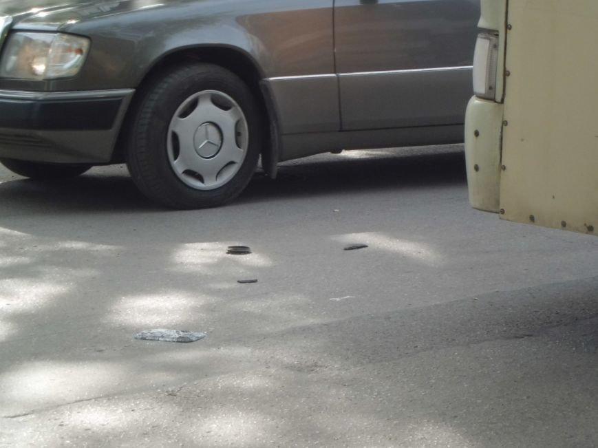 Виной пробки на Петровской в Таганроге стало разбитое зеркало (ФОТО), фото-2