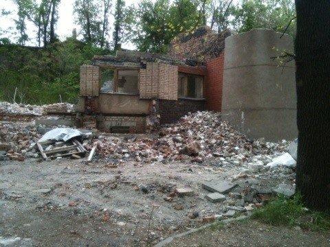 В Кривом Роге продолжают уничтожать спорткомплекс «Каскад» (ФОТО), фото-6
