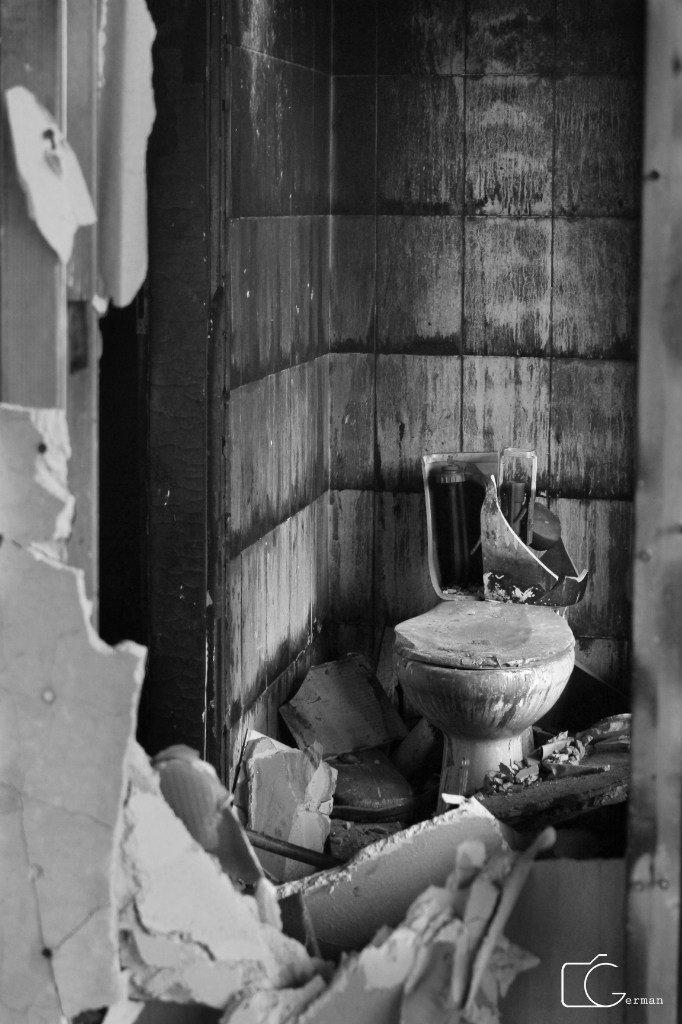 Мариуполь, опаленный войной, фото-29