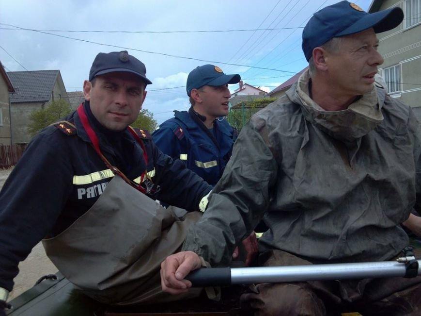 Під час негоди на Львівщині ніхто із чиновників не приїхав подивитися, як тоне худоба (ФОТО, ВІДЕО), фото-11