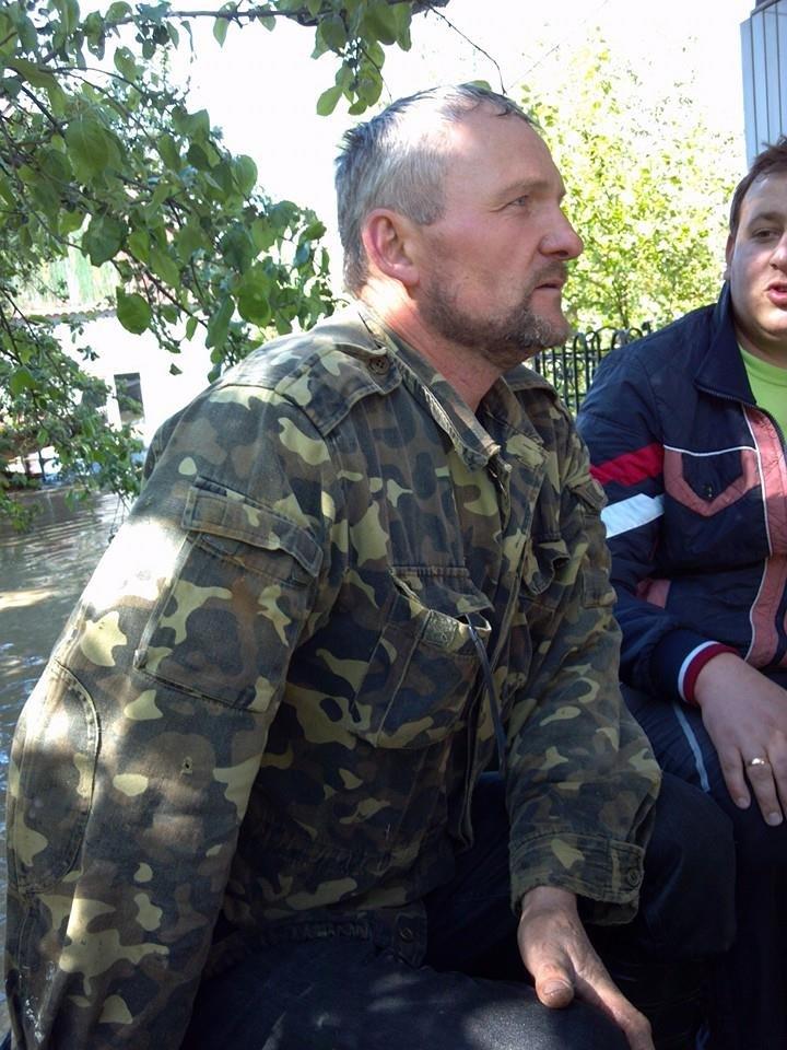 Під час евакуації на Львівщині, люди залазили на дахи (ФОТО), фото-5