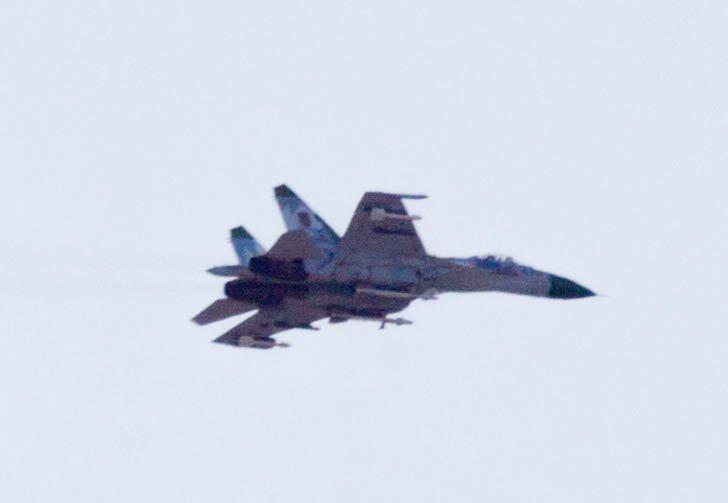 В соцсетях появились фото истребителя, который был сегодня замечен в небе над Горловкой, фото-1