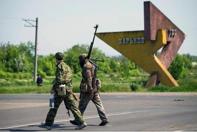 Между Харьковом и Славянском сепаратисты установили блокпост с захваченной военной техникой (ФОТО), фото-2