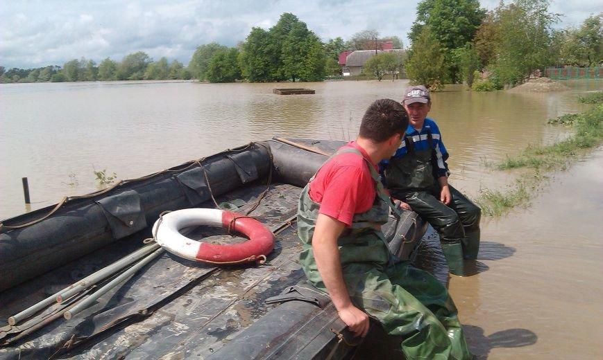 Допоможемо усім Львовом: до евакуації потерпілих від негоди долучились львівські військові (ФОТО), фото-9