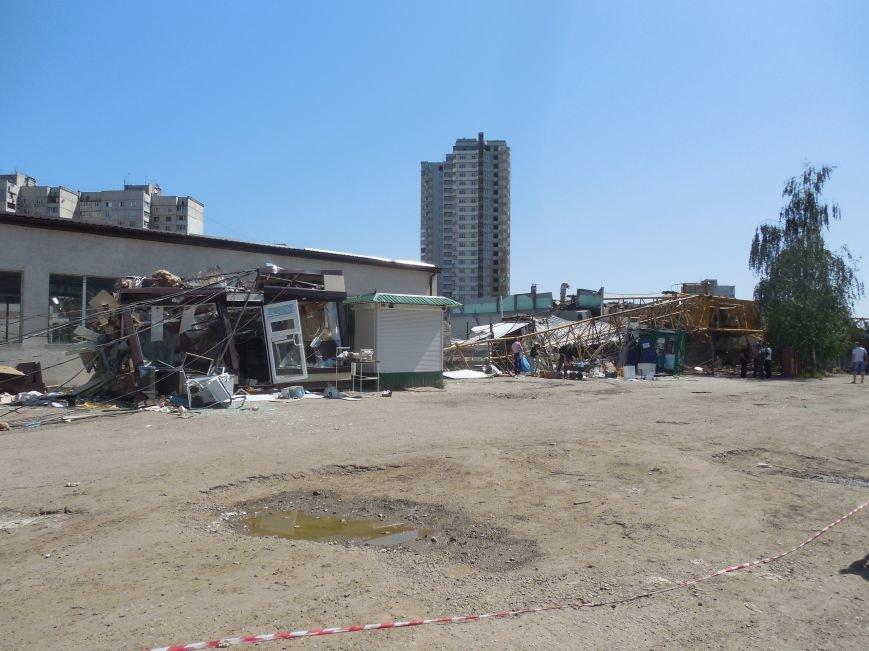 В Харькове упал строительный кран. Есть погибшие, фото-3