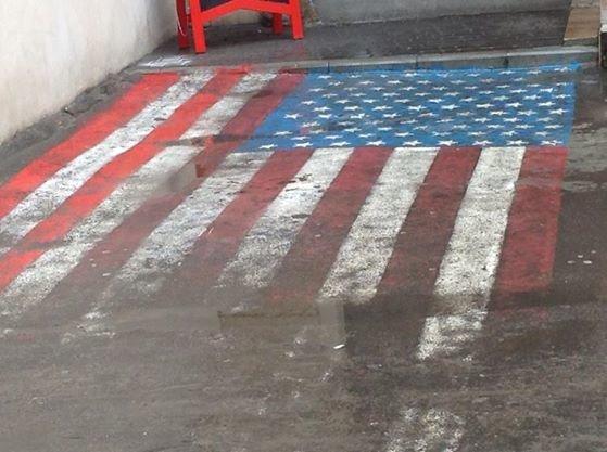 У Львові витирають ноги об прапор США (ФОТО), фото-2