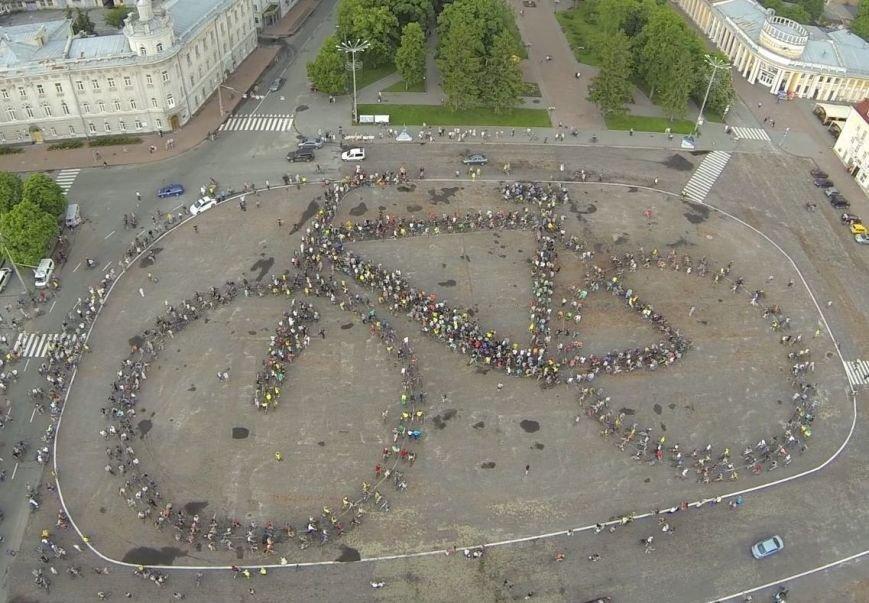 В Чернигове соорудили рекордный живой велосипед, фото-1