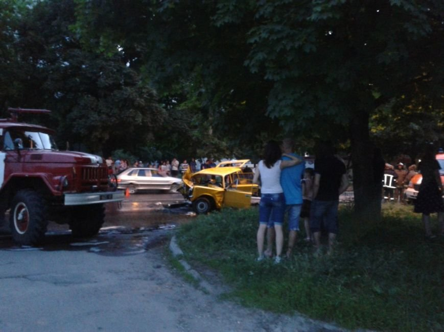 ДТП в Харькове: водителя вырезали из авто (ФОТО), фото-2