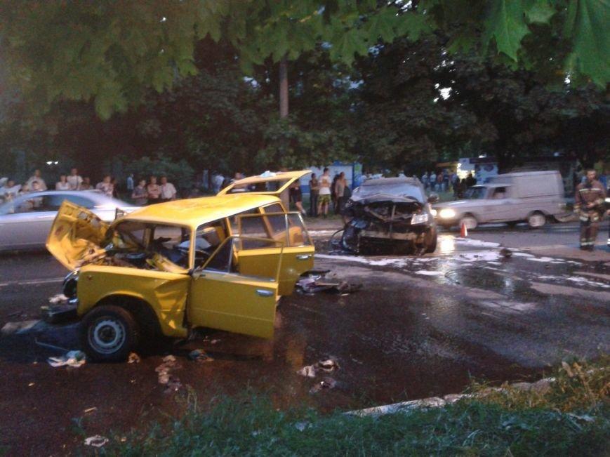 ДТП в Харькове: водителя вырезали из авто (ФОТО), фото-1