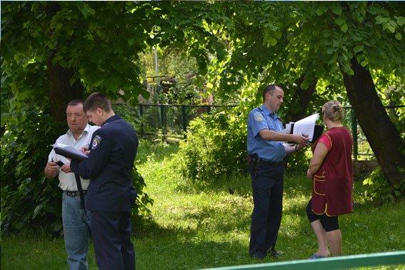 Зі школи евакуювали 597 учнів та 33 вчителя, а вибухівку ніде не знайшли (ФОТОРЕПОРТАЖ), фото-5