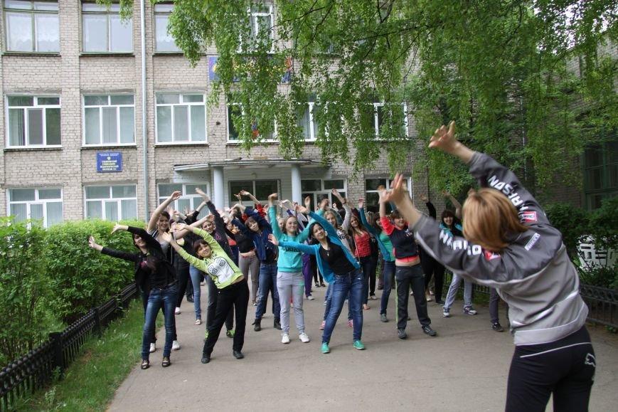 В Ульяновске субботник начался со спортивной разминки, фото-2