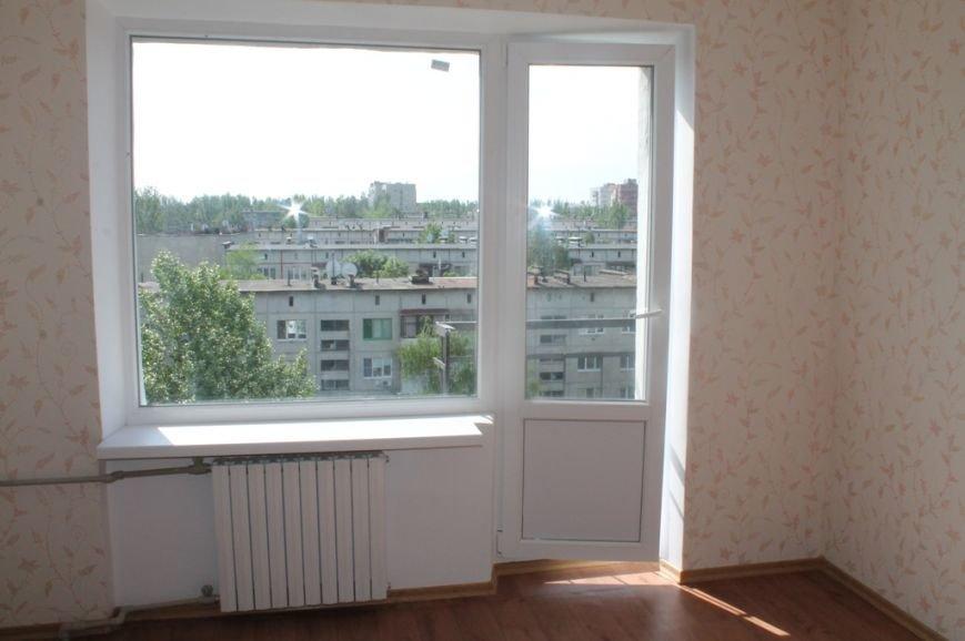 Пора встречать новоселье: в Артемовске отремонтировали квартиру для ребенка, лишенного родительской опеки, фото-5