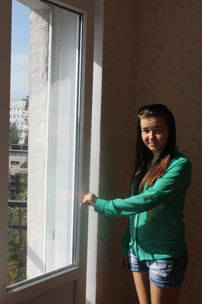 Пора встречать новоселье: в Артемовске отремонтировали квартиру для ребенка, лишенного родительской опеки, фото-6