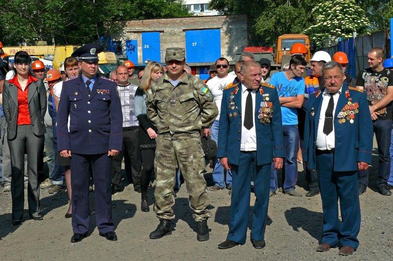 Николаевский тепловозоремонтный завод передал военным два  БТРа (ФОТО) - обновлено, фото-2