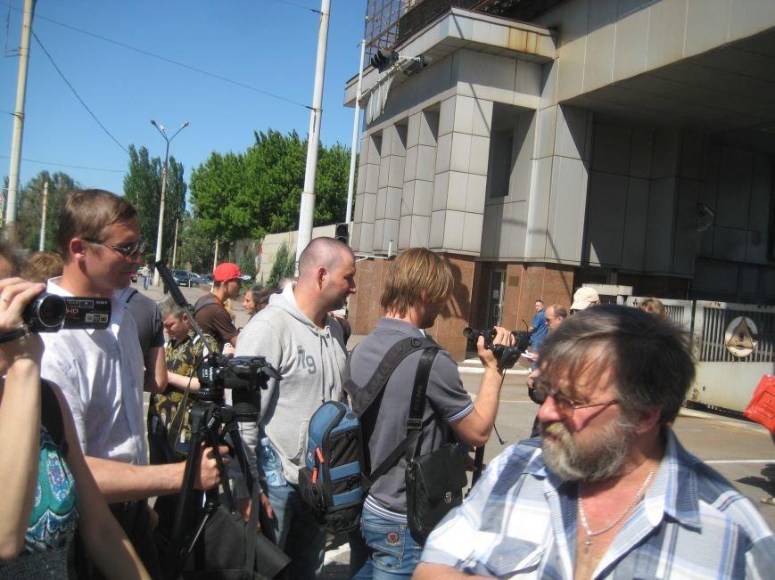 В Мариуполе ДНРовцы митингуют возле проходных «Азовстали»(ФОТО+ВИДЕО), фото-2