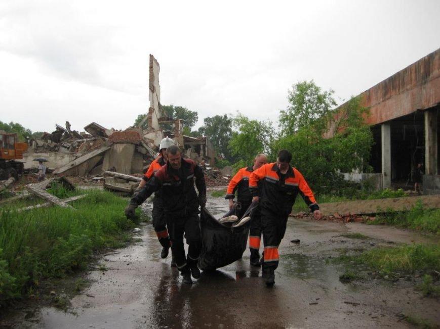 На бывшем льнозаводе возле Чернигова погибли два человека, фото-1