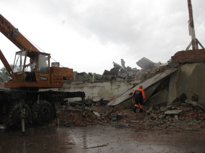 На бывшем льнозаводе возле Чернигова погибли два человека, фото-8