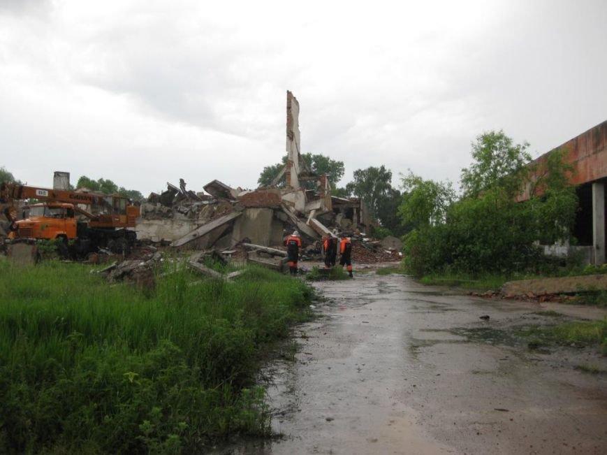 На бывшем льнозаводе возле Чернигова погибли два человека, фото-11