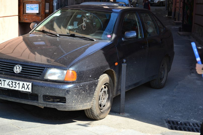 Я паркуюсь, як мудак: нова серія фотографій про винахідливих водіїв у Львові (ФОТО), фото-1