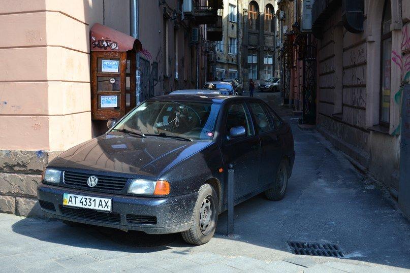 Я паркуюсь, як мудак: нова серія фотографій про винахідливих водіїв у Львові (ФОТО), фото-2