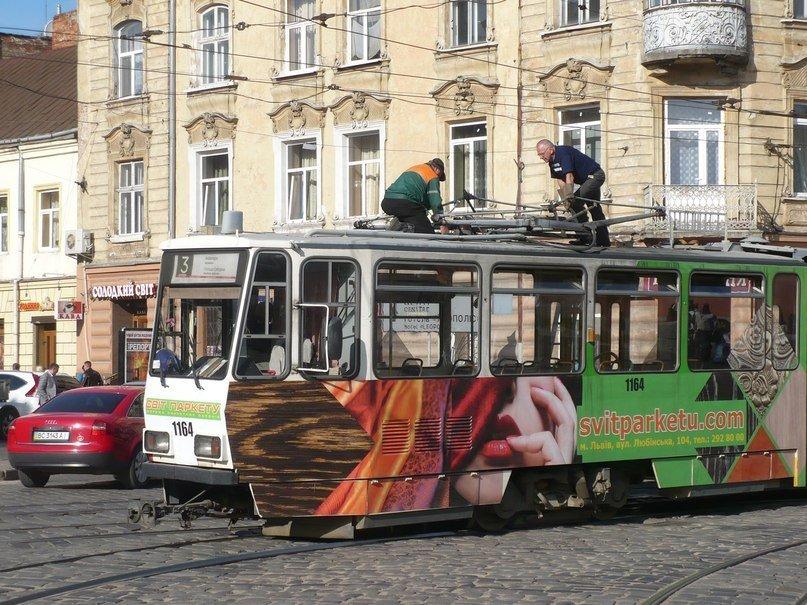 У Львові трамвай зламав собі «роги» (ФОТО), фото-5
