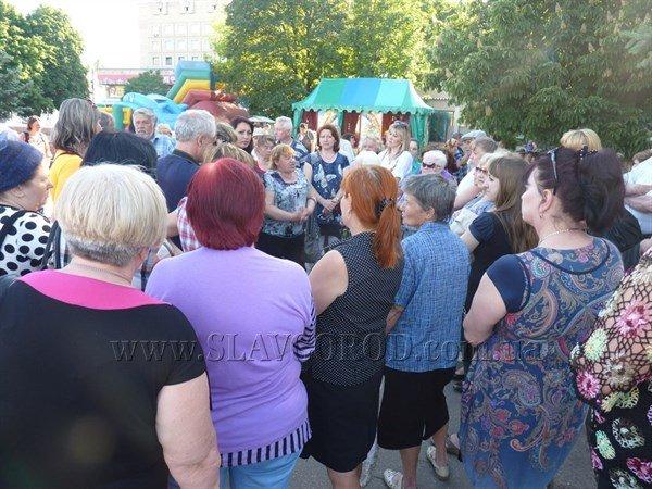 Волонтерская деятельность: женщины Славянска отказались от похода на Карачун, фото-2