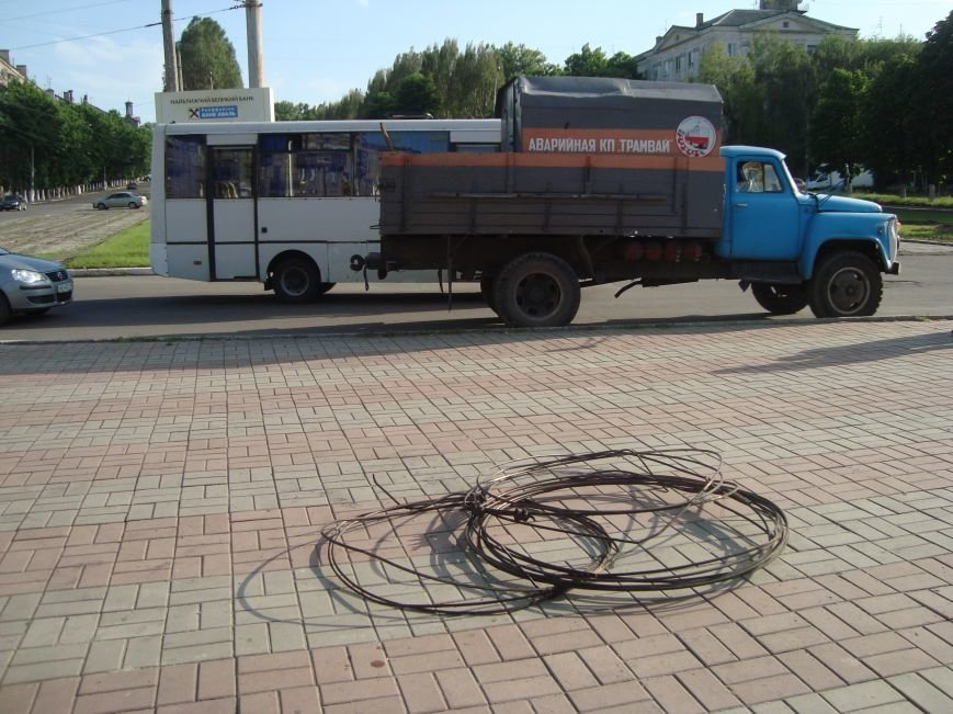 В Днепродзержинске были парализованы все трамваи, фото-4