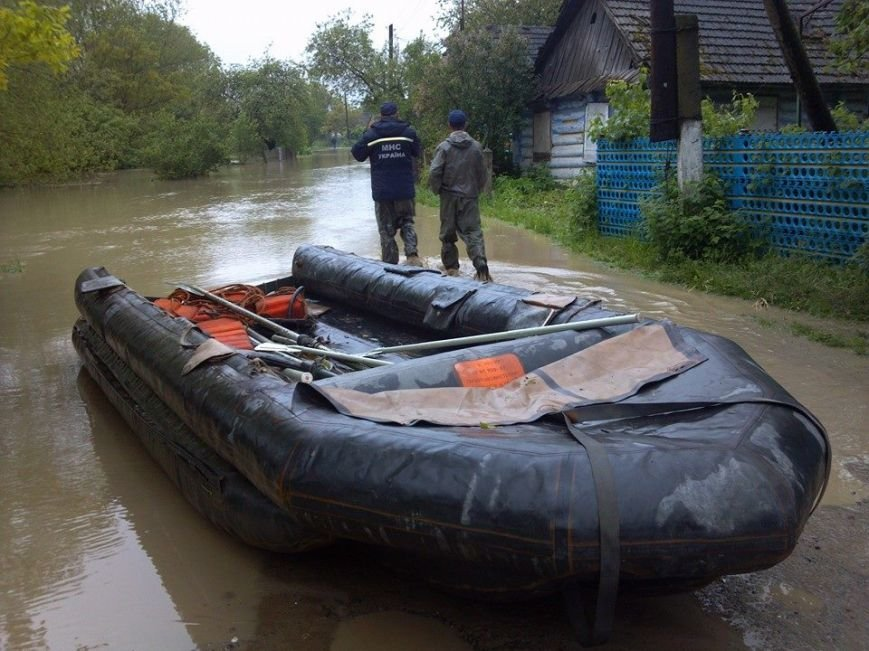 Львів'янам, чиї будинки та худоба, пішли під воду дадуть по … 1000 гривень (ФОТО), фото-5